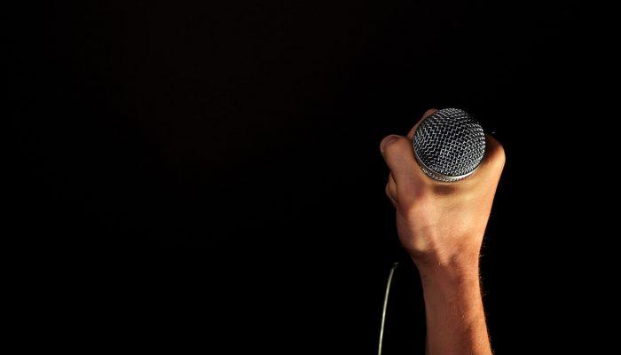 Kostol spieva